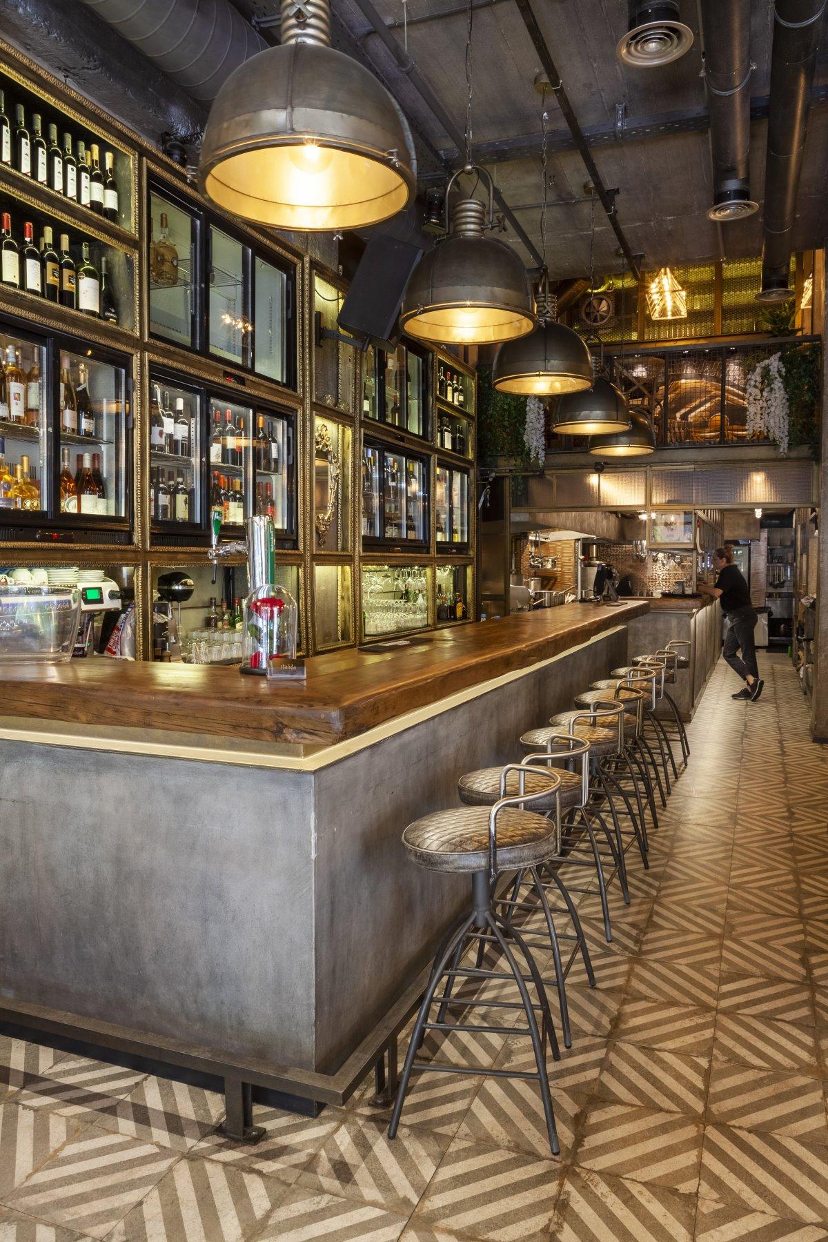 Το μπαρ του Italida restaurant, Πειραιάς
