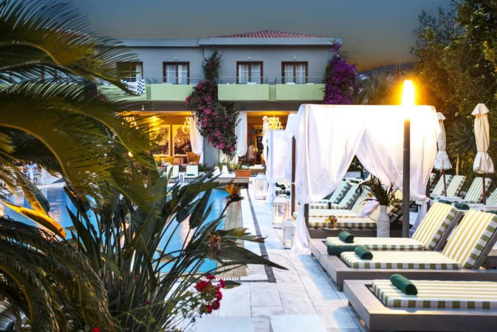 La Piscine Art Hotel πισίνα το βράδυ