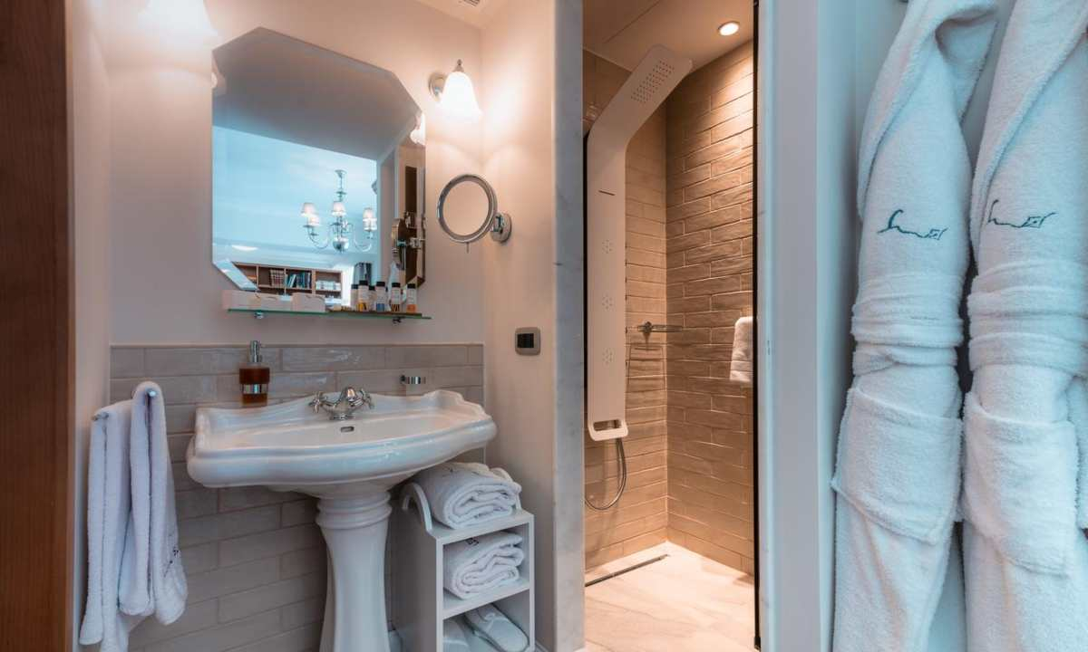 Legacy Gastro Suites, μπάνιο