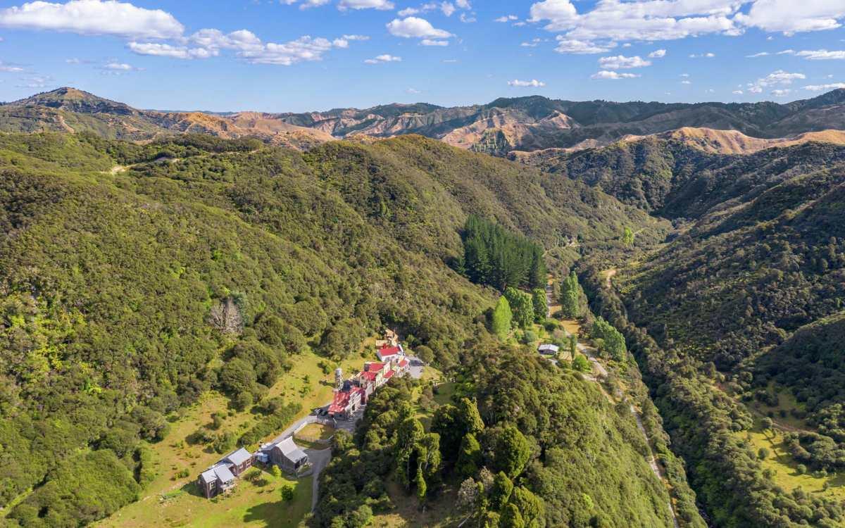 Νέα Ζηλανδία: Μια πόλη που πωλείται για 7,5 εκατ. δολάρια (εικόνες, βίντεο)