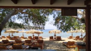 Nostos: Το απόλυτο beach bar της Σίφνου