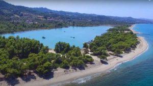 Γλαρόκαβος: Κάντε ένα ταξίδι στην φυσική πισίνα της Χαλκιδικής