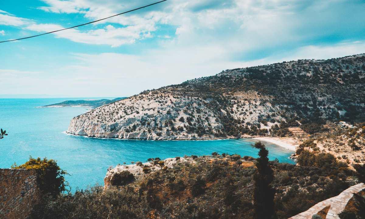 Παραλία Σαλιάρα από μακριά