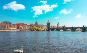 13 φωτογραφίες που θα σας πείσουν να επισκεφθείτε την Πράγα
