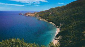Φύγαμε για βουτιές στις 20 καλύτερες παραλίες των Σποράδων!
