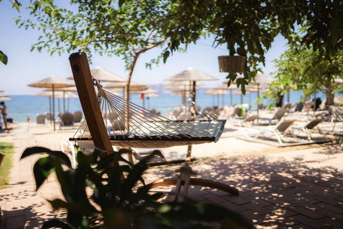Zoe Seaside Resort αιώρα στην παραλία