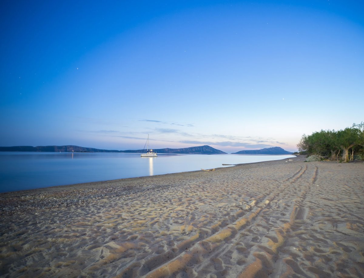παραλία Γιάλοβας