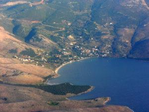 Νημποριό: Ένας μαγικός κόλπος στην Εύβοια με πεντακάθαρα γαλανά νερά!