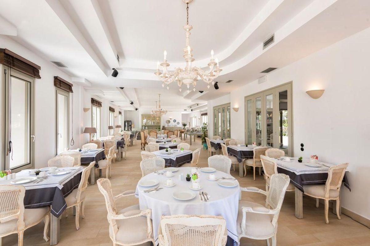 Saint Andrea Resort όμορφο εστιατόριο