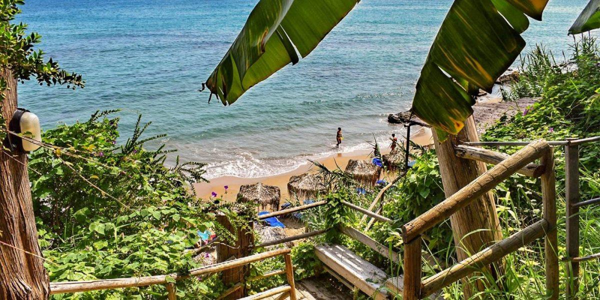 Akti Peroulia παραλία