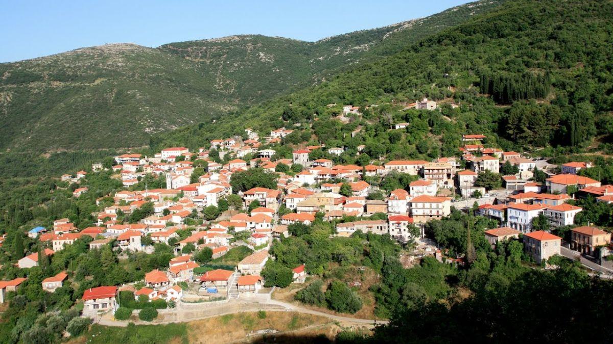 Ανδρίτσαινα όμορφο χωριό πελοπόννησος