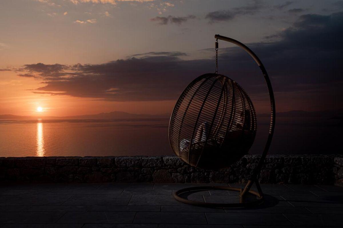 arias estate suites με θεα το ηλιοβασίλεμα