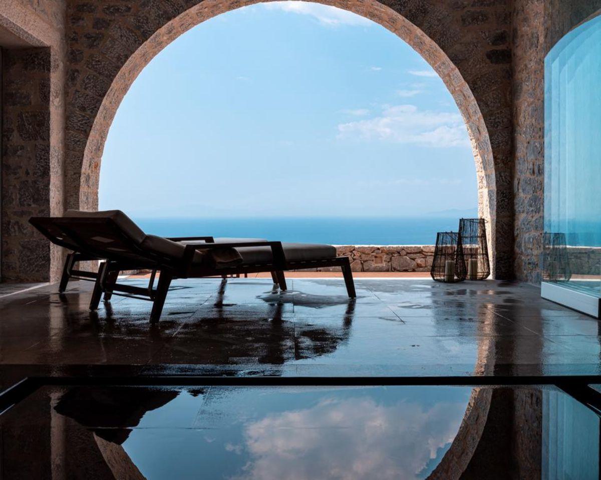 arias estate suites πισίνα με θέα