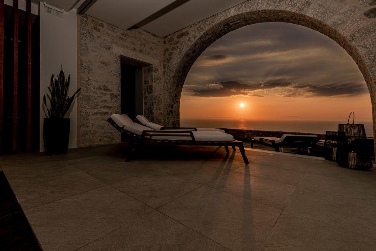 arias estate suites ηλιοβασίλεμα