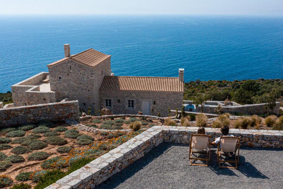 arias estate suites εκπληκτική τοποθεσία