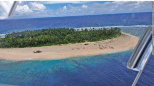 """Ναυαγοί σώθηκαν χάρη στο """"SOS"""" που έγραψαν στην άμμο! (VIDEO)"""