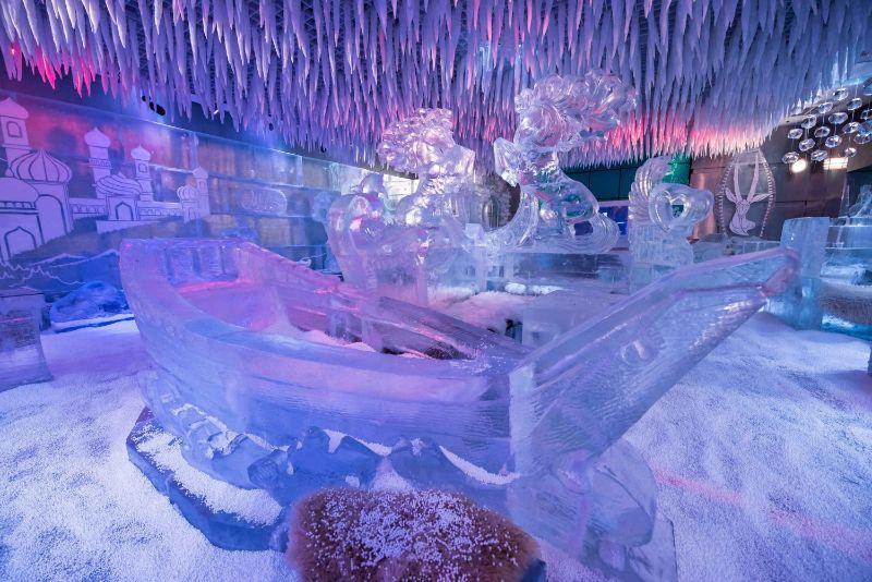 Chillout Lounge στο Ντουμπάι  γλυπτά πάγου
