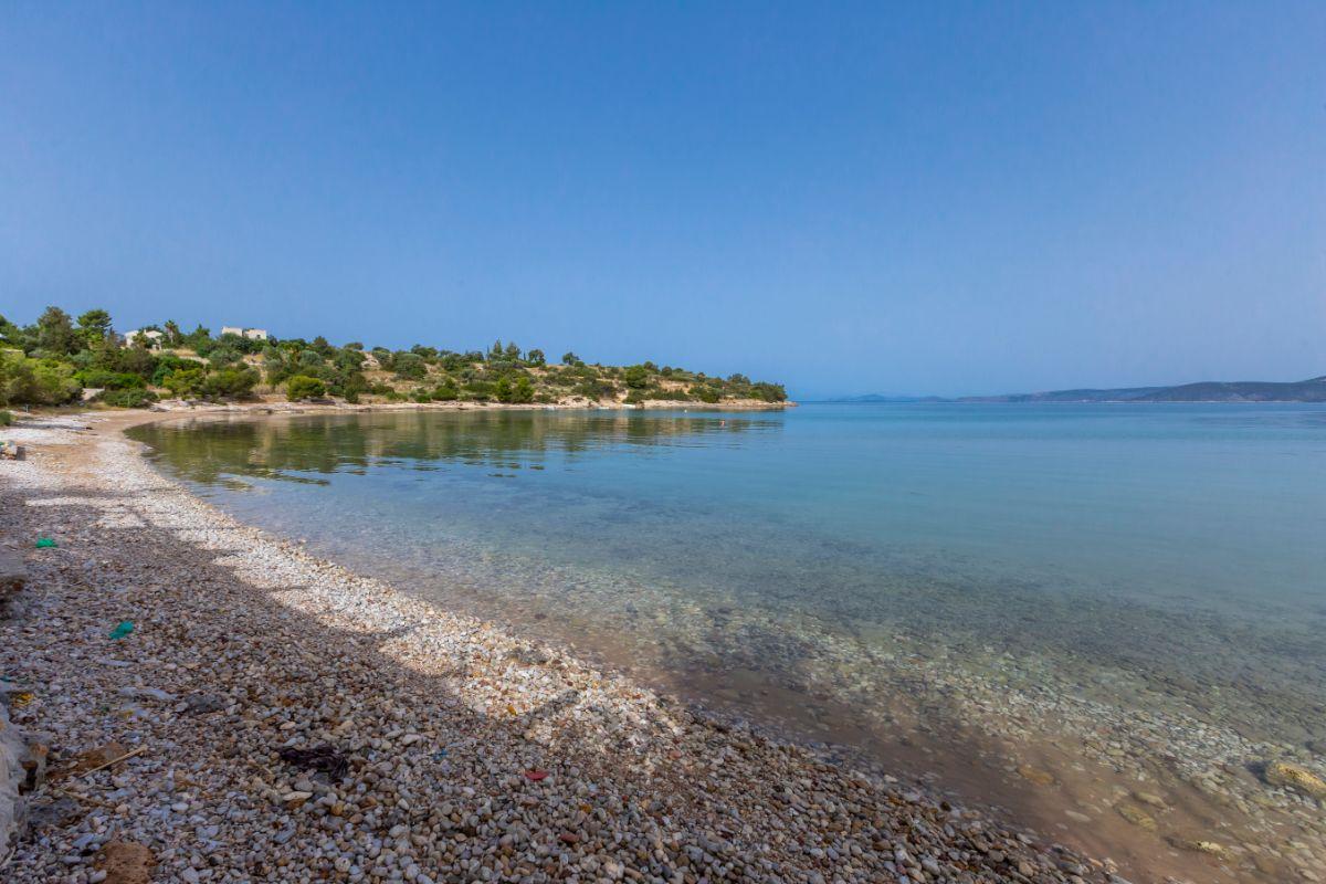 η παραλία δορούφι στην κοιλάδα