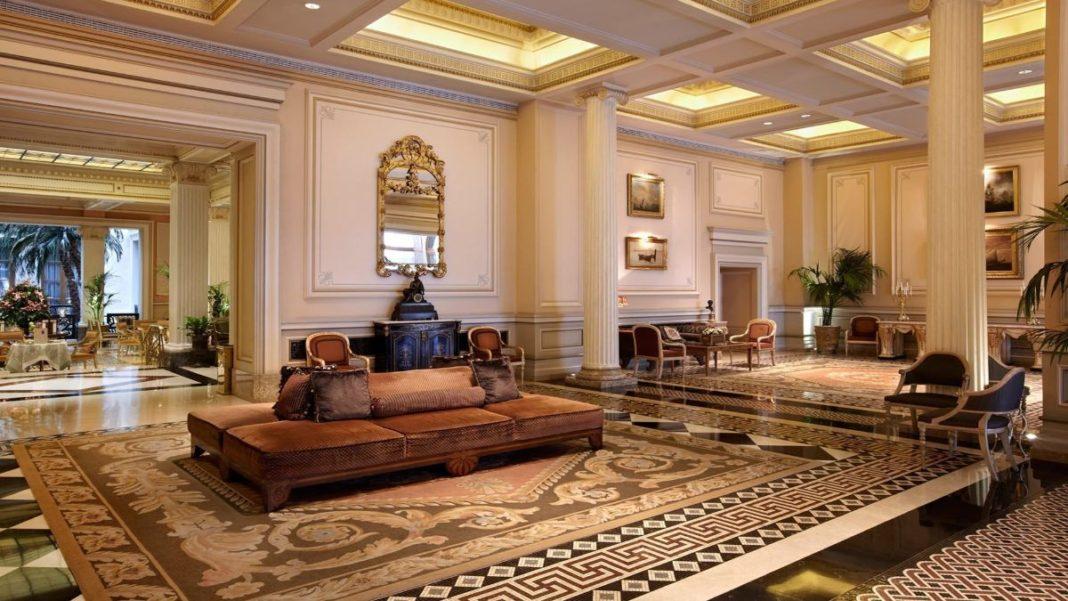 """Athens 1890"": Ο Τάσος Δούσης προτείνει αυτό το νέο boutique hotel, ""κόσμημα"" στην Πλατεία Αγ. Ειρήνης!"