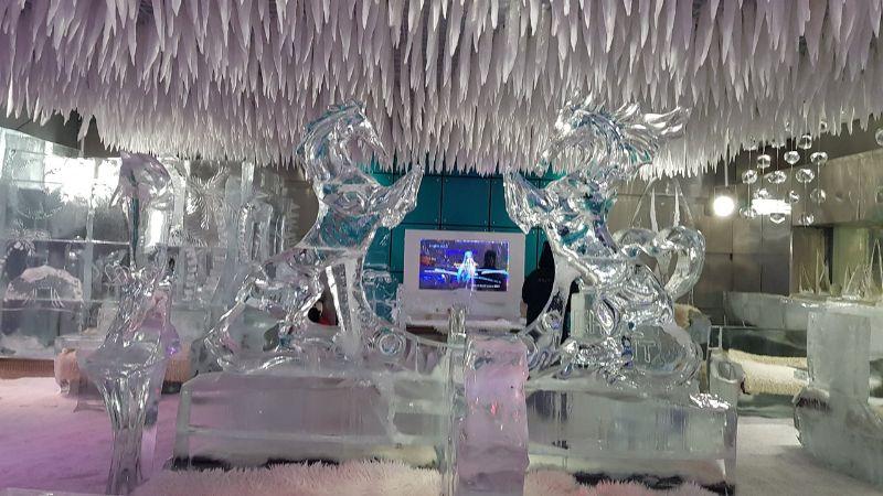 Chillout Lounge στο Ντουμπάι χωρις φωτισμό