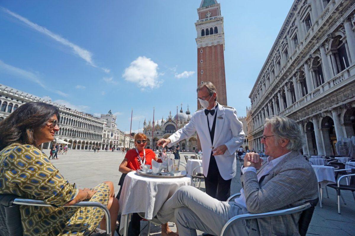 καφετέρια στην Ιταλία στη μετά κορονοϊού εποχή