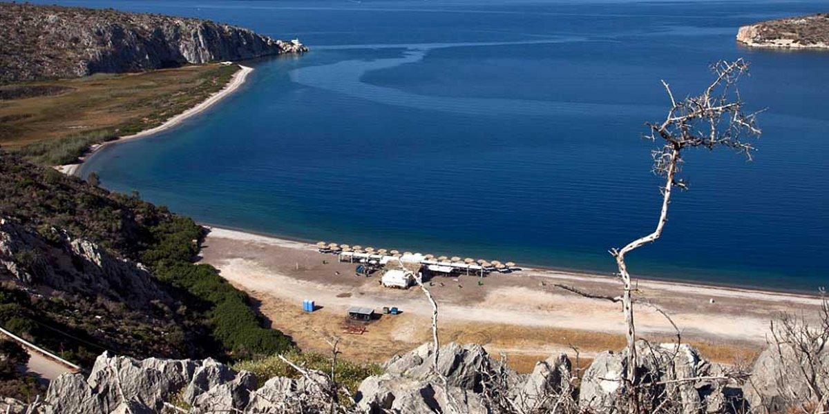πανοραμική άποψη της παραλίας Κονδύλι