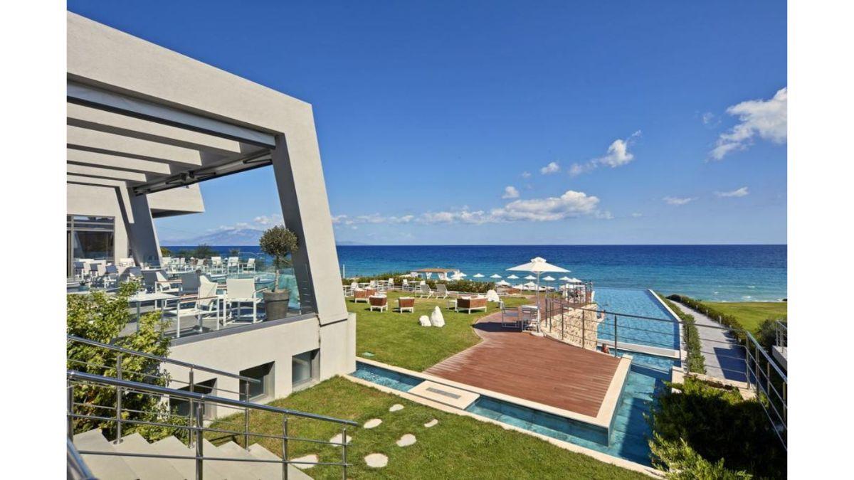 Lesante Blue θέα στην πισίνα και τη θάλασσα