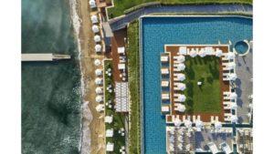 """Ο Τάσος Δούσης προτείνει ένα υπέροχο ξενοδοχείο στη Ζάκυνθο μέλος των """"Leading Hotels of the World"""""""