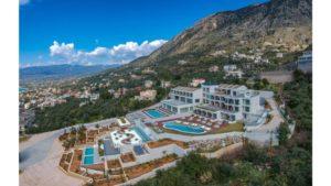Το ονειρεμένο ξενοδοχείο στην Καλαμάτα με την υπέροχη θέα στο Μεσσηνιακό που μάγεψε τον Τάσο Δούση