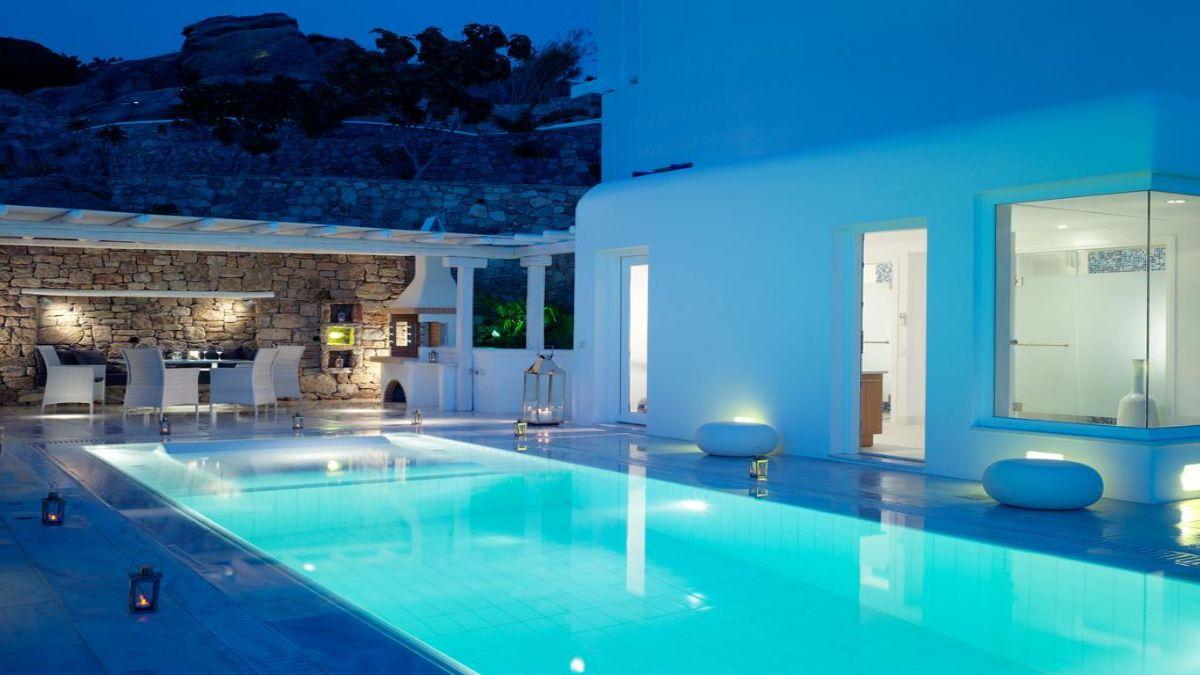 Ξενοδοχείο Mykonos Grand Hotel & Resort πισίνα βραδυ