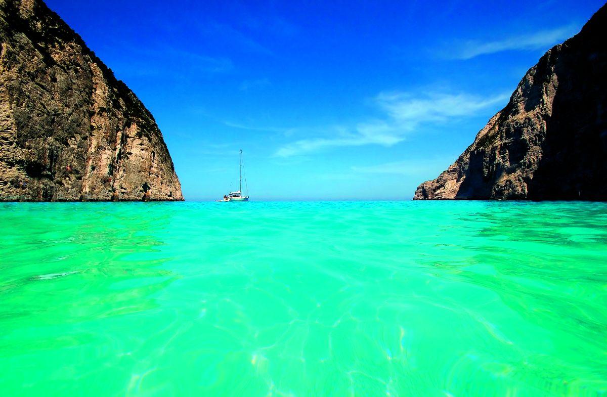 η τέλεια παραλία είναι το ναυάγιο