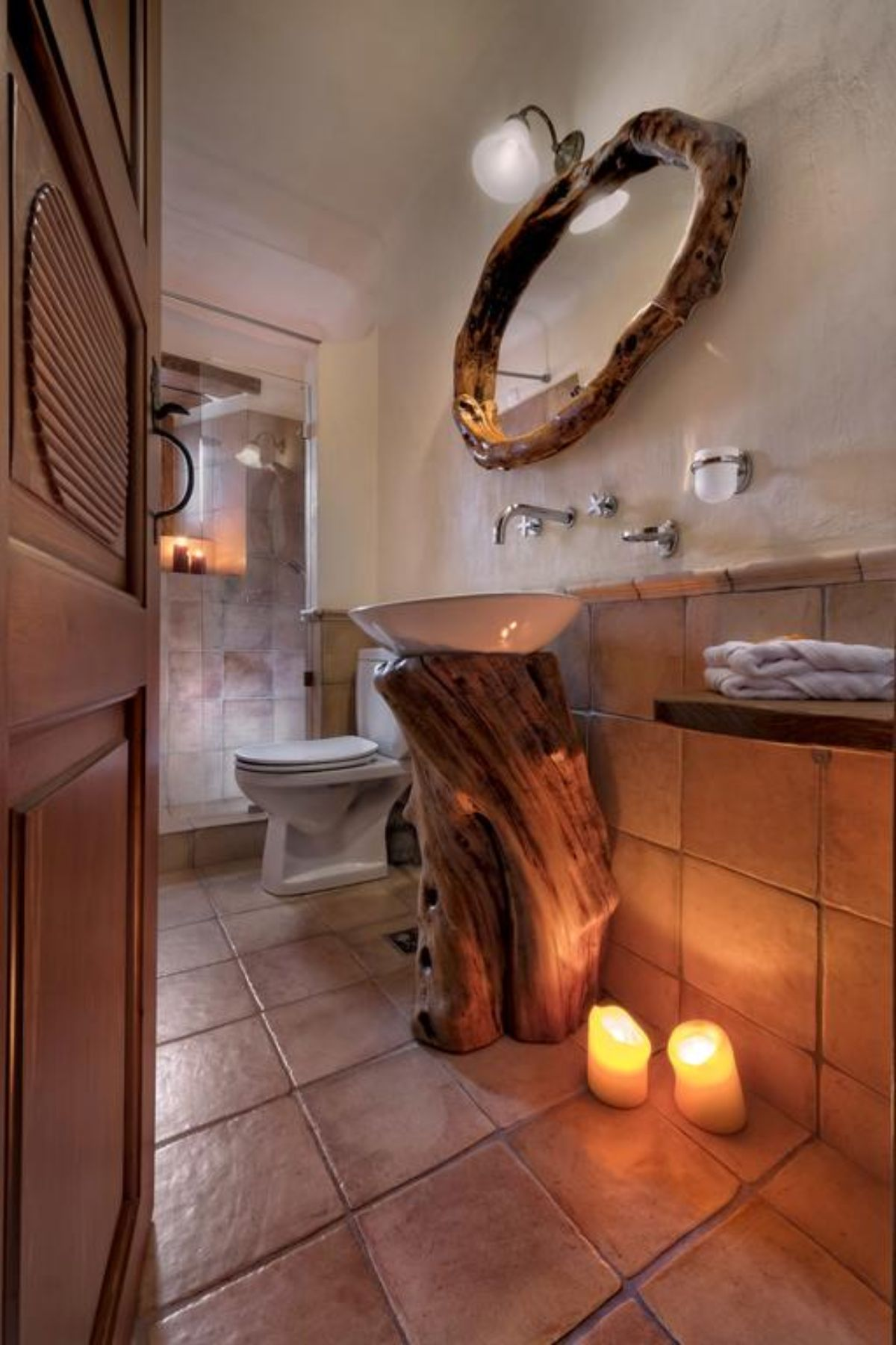 Αρχοντικό Σακαλή μια από τις κρεβατοκάμαρες ιδιαιτερο μπάνιο