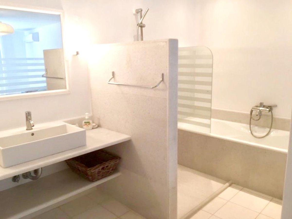 μπάνιο στη βίλα