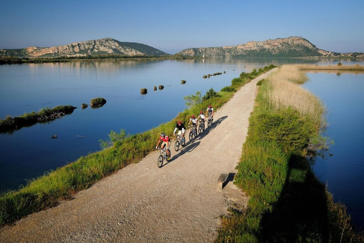 Westin Resort Costa Navarino πεζοπορια και ποδήλατο