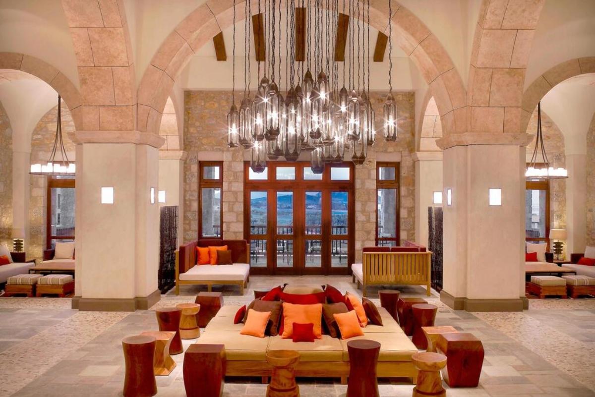 Westin Resort Costa Navarino εσωτερικός χώρος του ξενοδοχείου