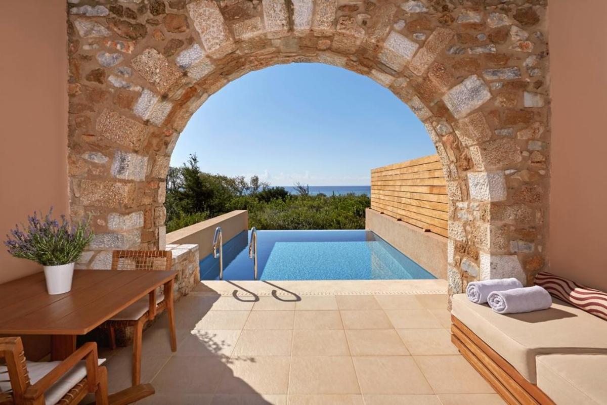Westin Resort Costa Navarino ιδιωτική πισίνα στο δωμάτιο