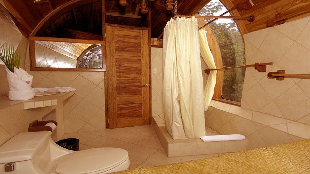 το πολυτελές μπάνιο