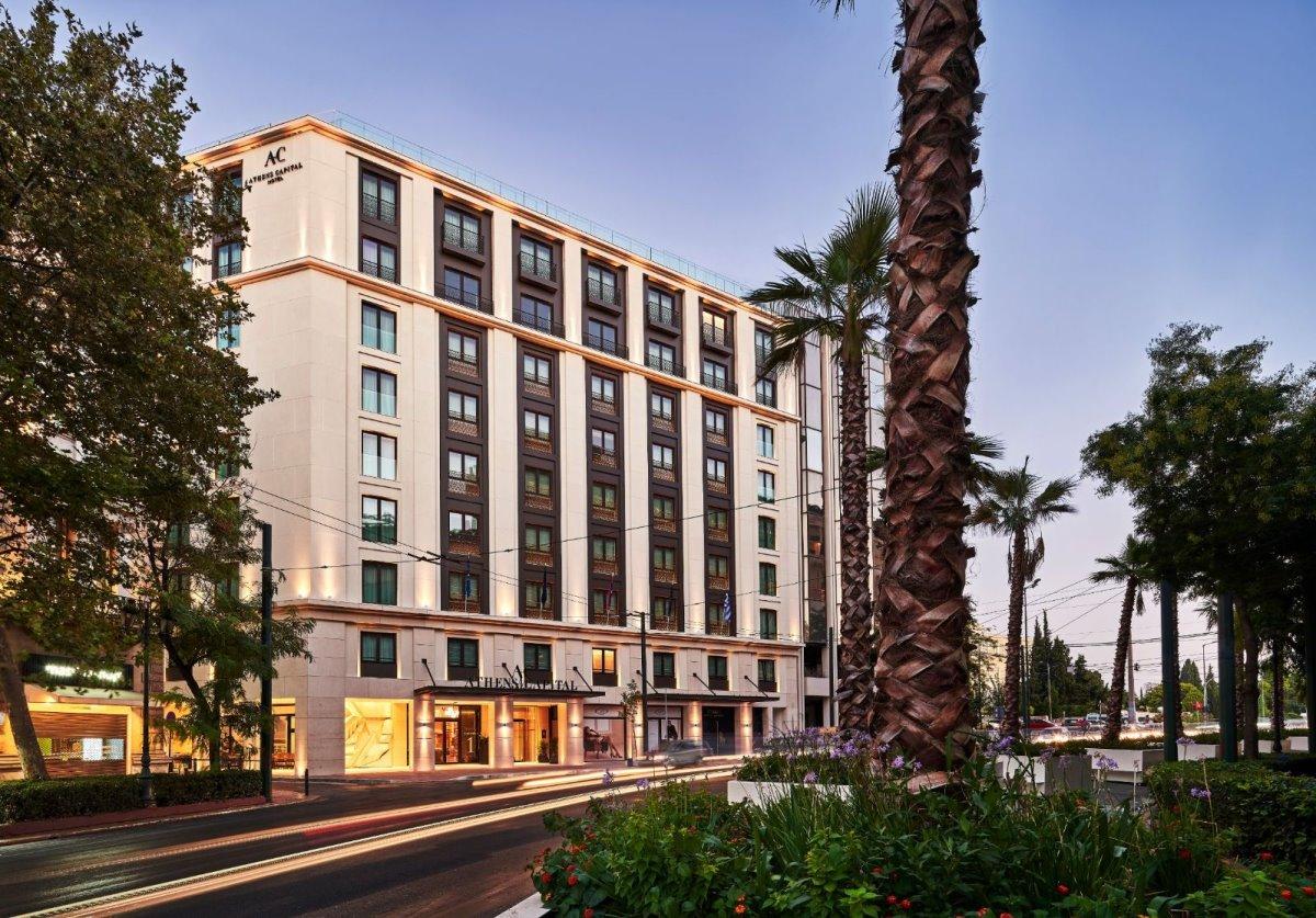 Το Athens Capital Hotel - MGallery βρίσκεται στην καρδιά της Αθήνας, στην πλατεία Συντάγματος