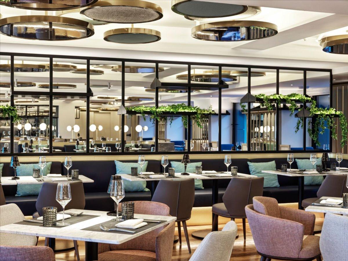 Στο εστιατόριο του Athens Capital Hotel - MGallery