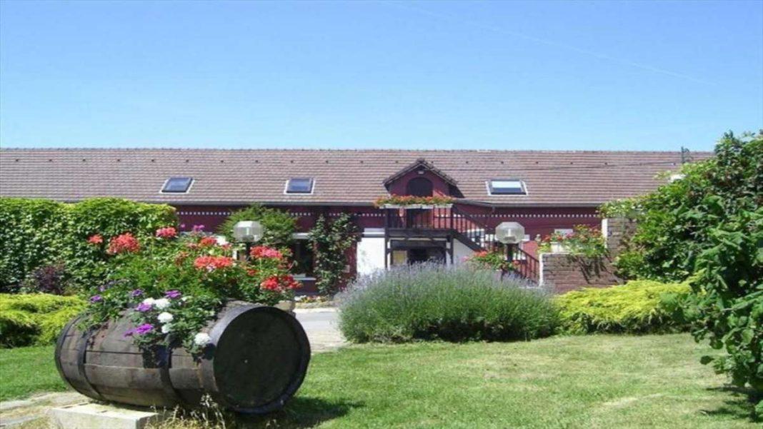 Auberge du Vieux Puits καλύτερο εστιατόριο 2020 εξωτερική άποψη