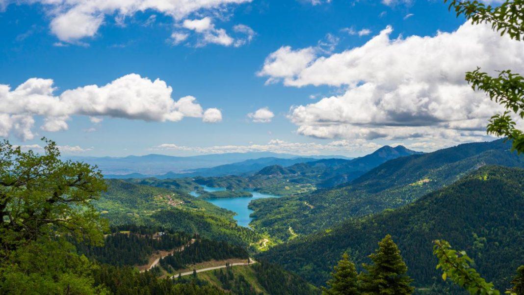 Λίμνη Πλαστήρα σύννεφα
