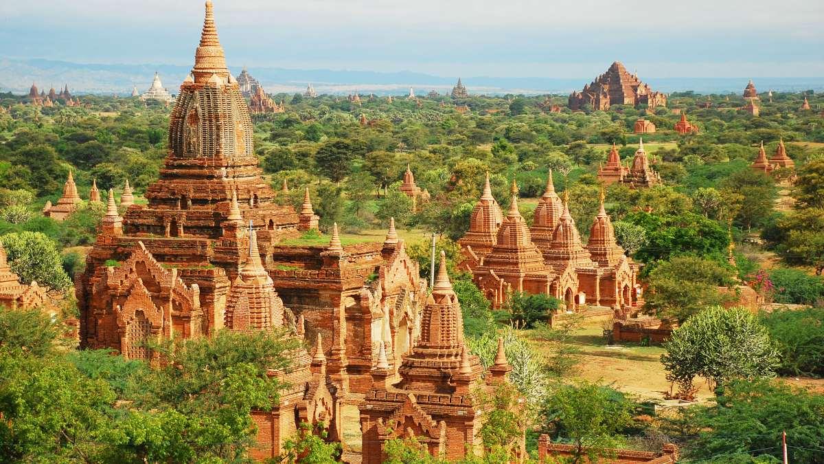 κάστρα Μιανμάρ πράσινο τοπίο