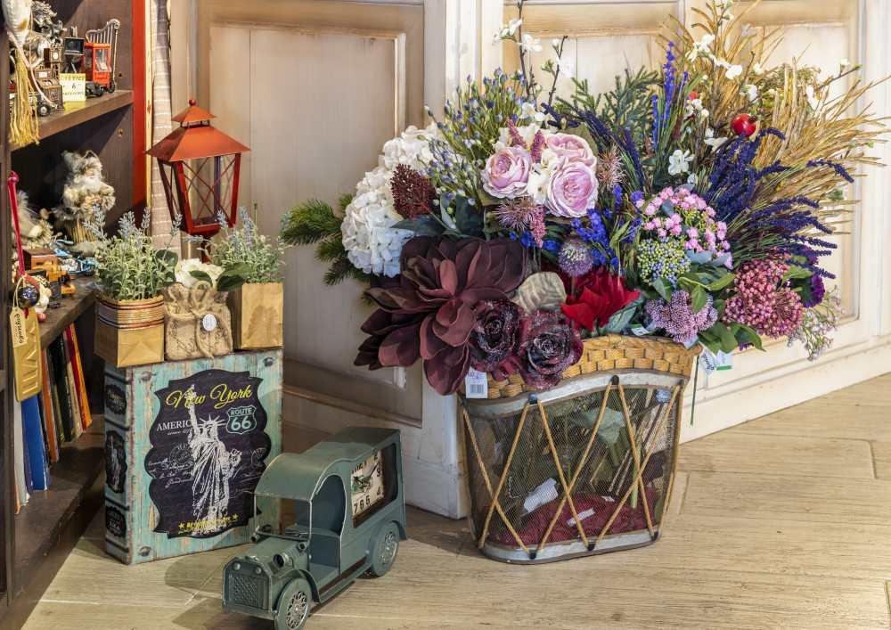 Ρογκοβό, Πάπιγκο gift shop