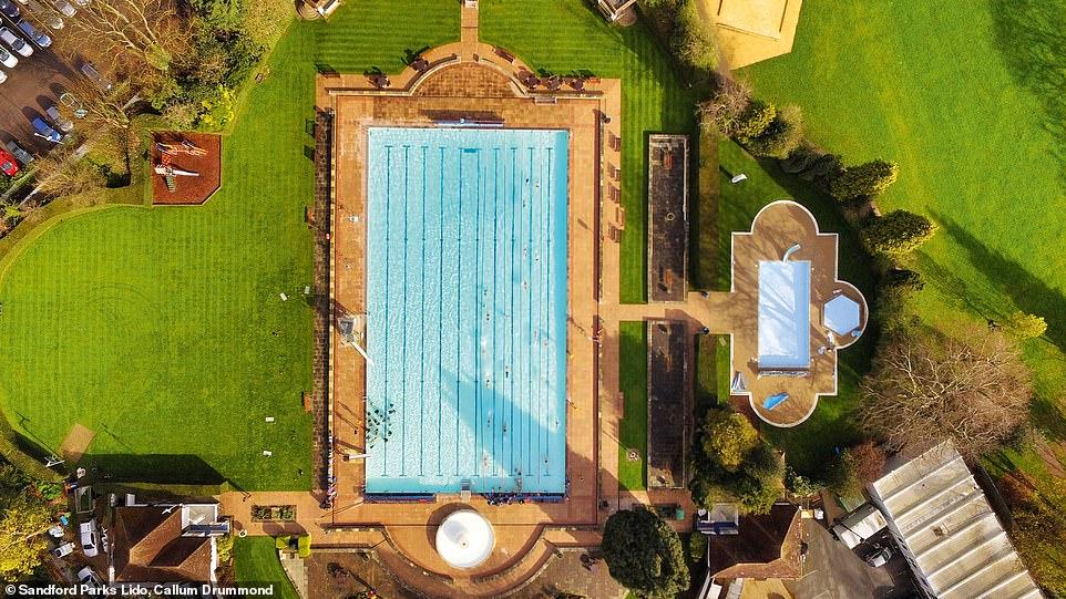 Sandford ανοιχτή πισίνα