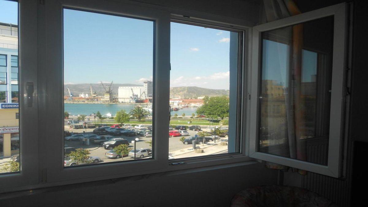 Ξενοδοχείο Άδμητος θέα από το παράθυρο