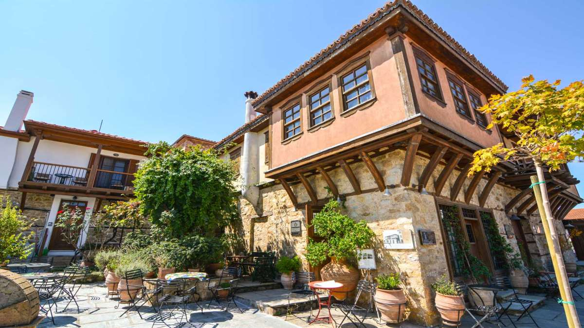 αρναία χαλκιδική παραδοσιακά σπίτια