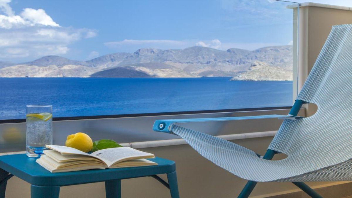 Carian Hotel παράθυρο πάνω στη θάλασσα
