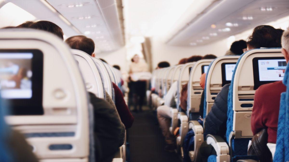 Επιβάτες σε αεροσκάφος