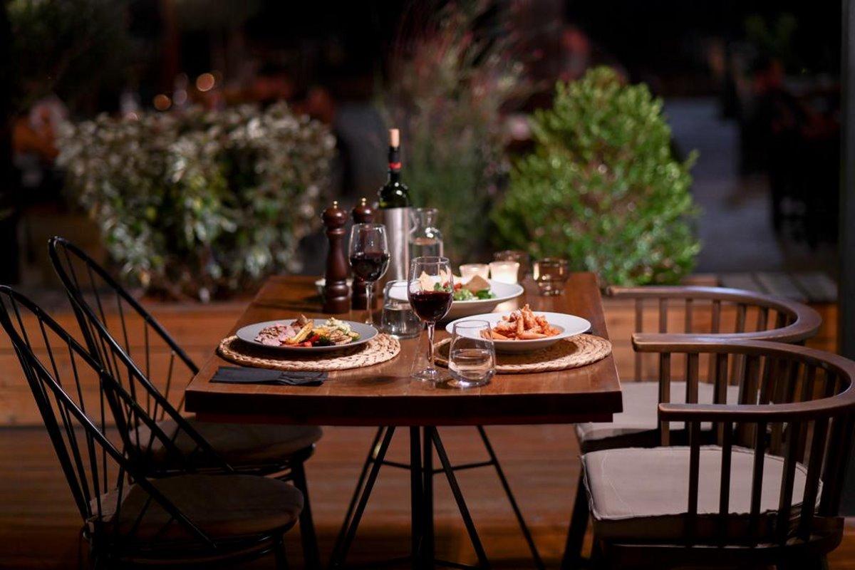 Γευστικό φαγητό στο εστιατόριο του Sunday Boutique Hotel στην Εύβοια