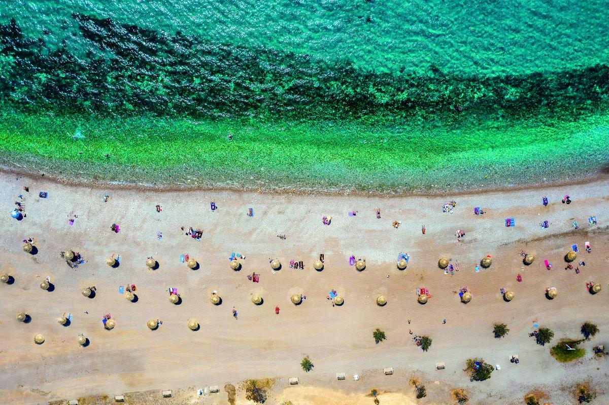 Υπέροχη παραλία στη Γλυφαδα από ψήλα